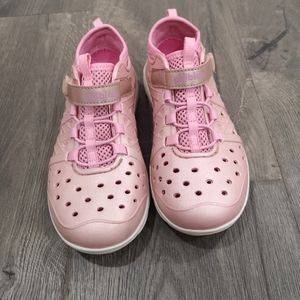 Stride Rite Phibia water shoes